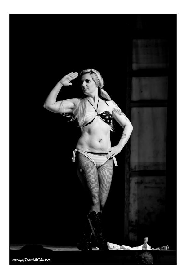 show burlesque 34
