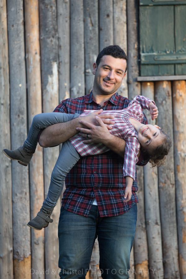 portrait père et fille en exterieur