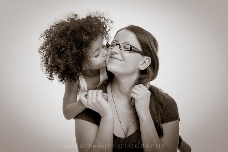 photo mère et fils en studio