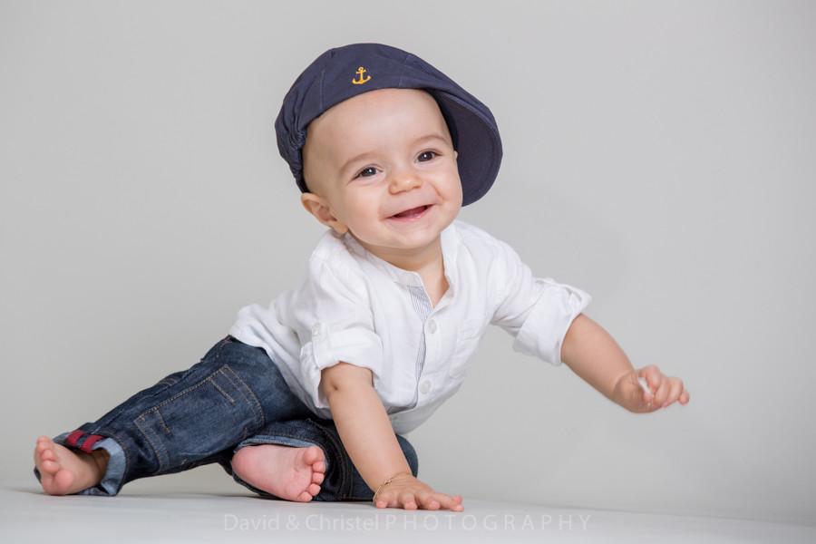 portrait de bébé souriant