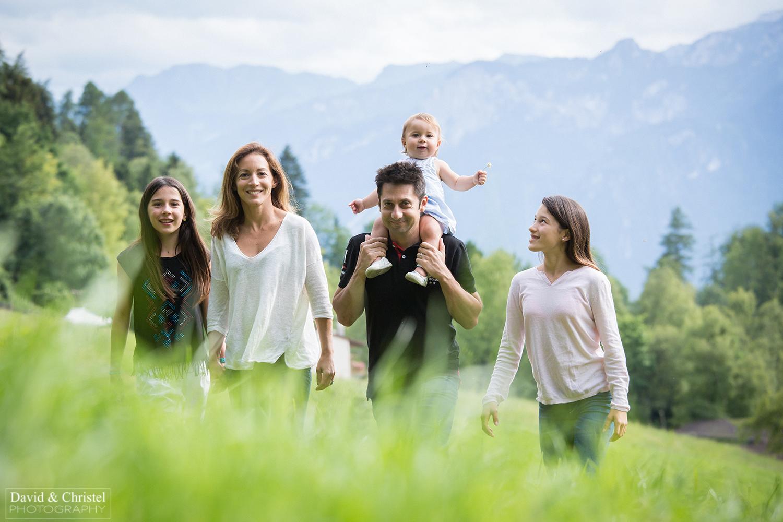 photo de famille a la montagne
