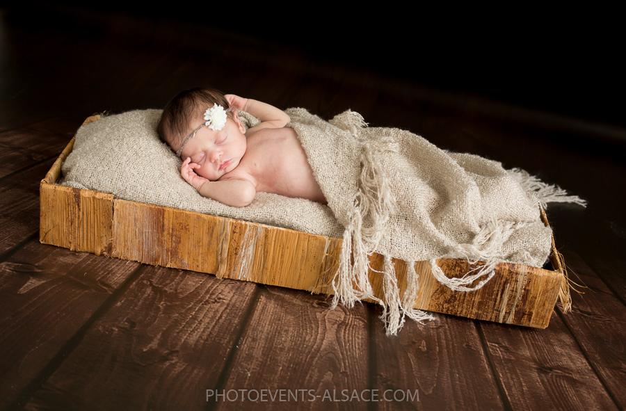 photo de bébé dans panier