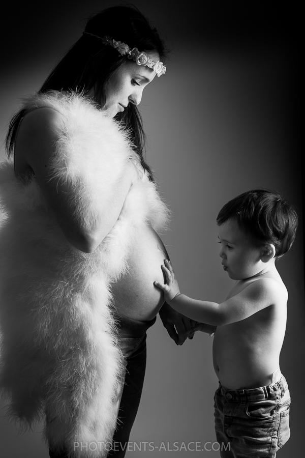 séance photo de grossesse tout en douceur et en tendresse