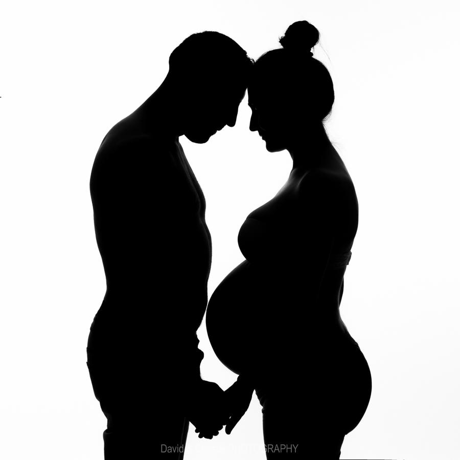 femme-enceinte-photo-noir-et-blanc-artistique