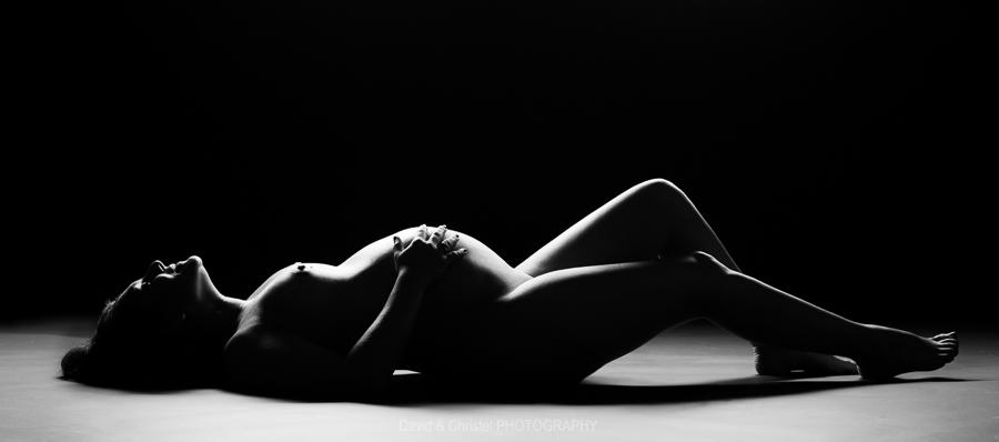 photo-artistique-dune-femme-enceinte